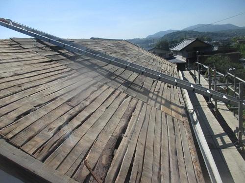 屋根板補強と足場写真