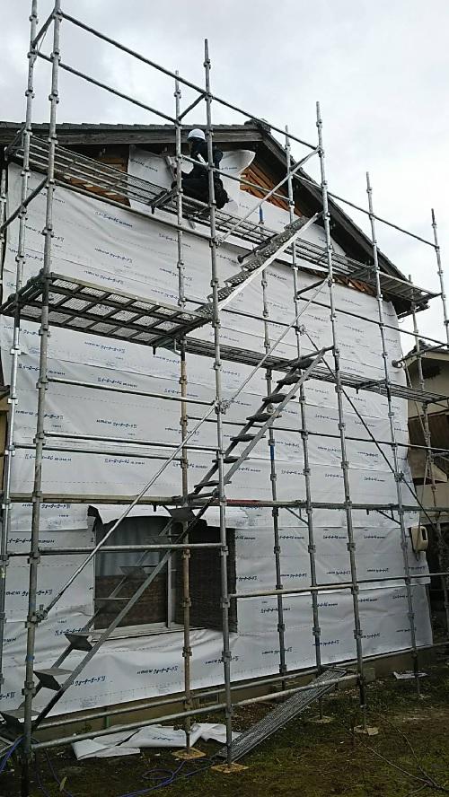野上町外壁工事中写真