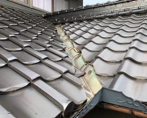 福山市で谷樋(谷板金)の交換工事|雨漏り被害にあう前に!
