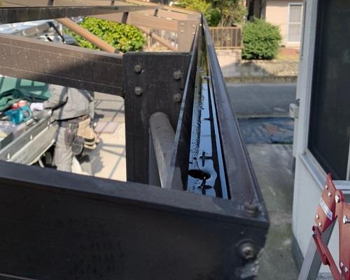 車庫屋根樋清掃