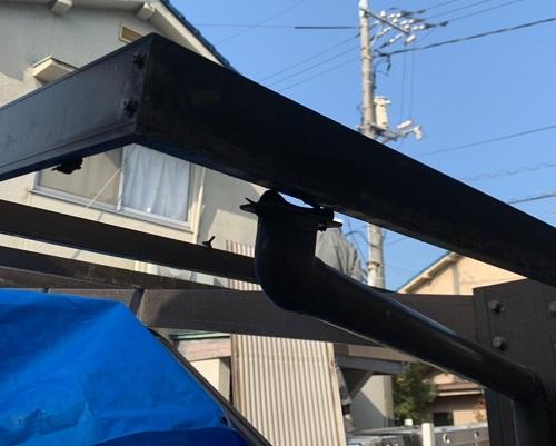 車庫屋根の竪樋