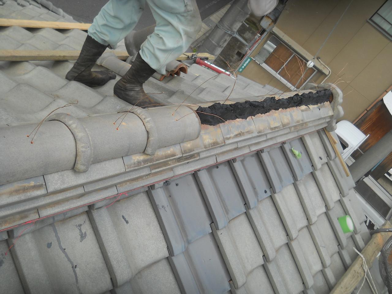 葺き直し工事棟
