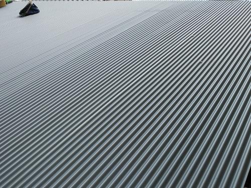 ガルバ屋根に葺き替え
