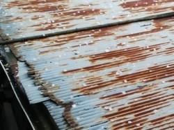 劣化したトタン波板屋根