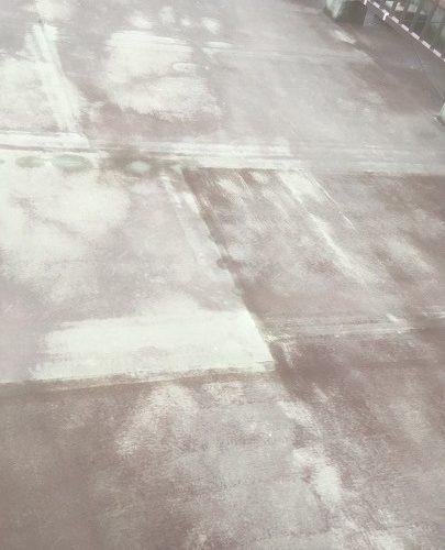 防水工事前の屋上の雨漏り調査
