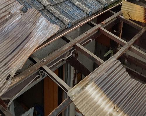 ベランダ屋根の波板撤去