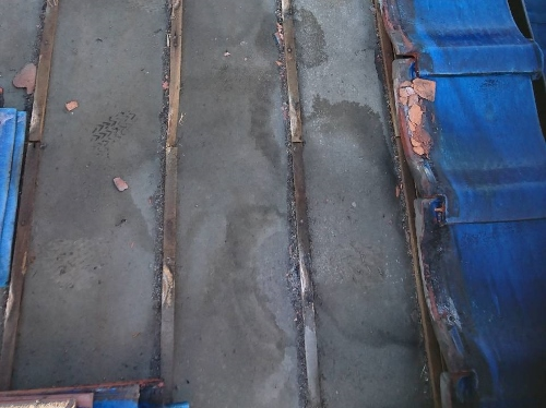 既存大屋根の解体