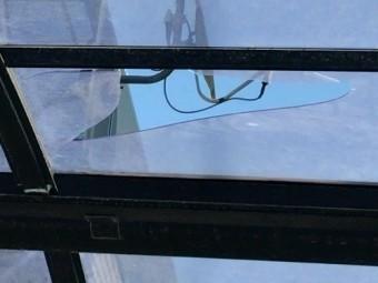 カーポート屋根の破損具合
