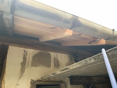 直した垂木、屋根下地