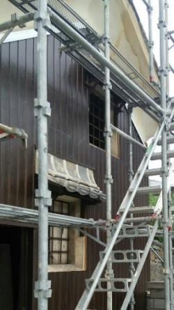 蔵外壁塗装足場