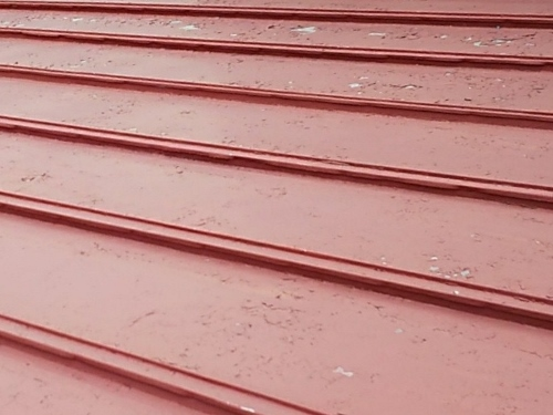 福山市駅家町で塗装が浮いた瓦棒葺き屋根の調査に伺いました