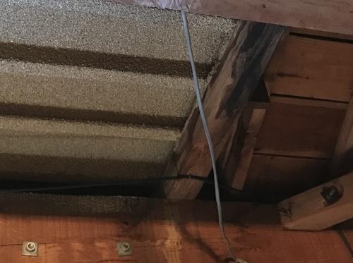ベランダ裏雨漏り箇所