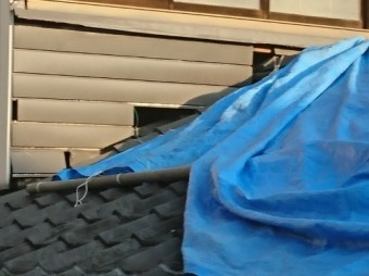 屋根上倉庫