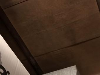 天井雨漏り痕