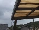 波板屋根の竪樋脱落