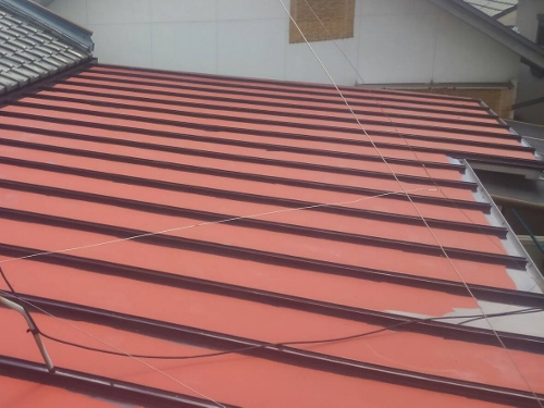 福山市本町で瓦棒葺き屋根の塗装工事をしました。