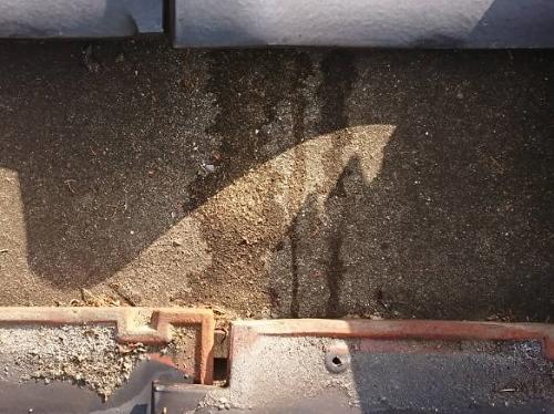 福山市鞆町で平屋建て瓦屋根の棟からの雨漏り調査に行きました