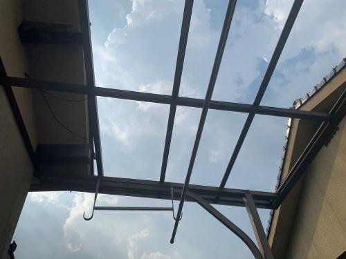 波板撤去後の屋根