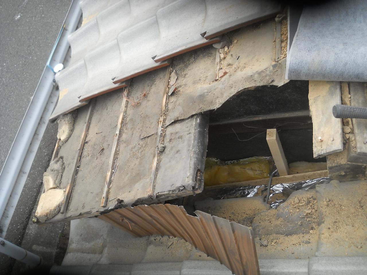 屋根下地の補修前
