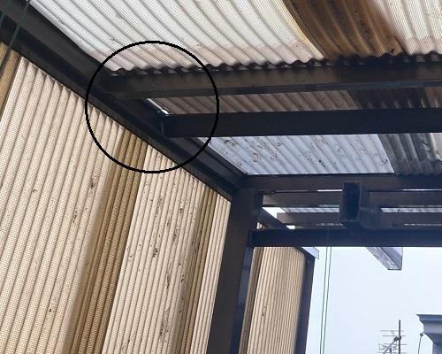車庫屋根のズレ